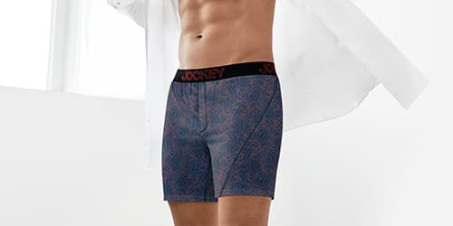 Man wearing NEW no bunch boxers